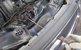 Как открыть капот на Форд Фокус 3 видео
