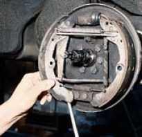 Замена задних тормозных колодок Форд Транзит; Ведущий авто портал / Ведущий авто портал