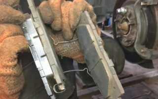 Замена тормозных колодок на Камри